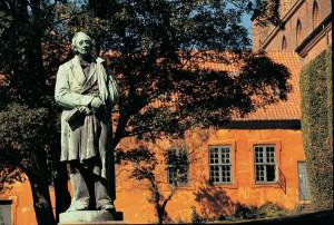 Denen (Hans Christian Andersen - Beeld in Odense)