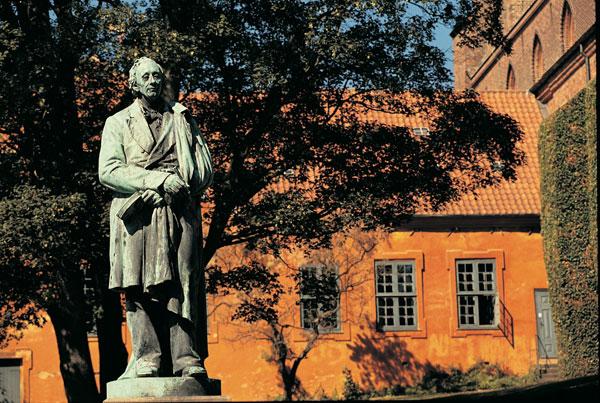 Bekende en Beroemde Denen (Hans Christian Andersen - Beeld in Odense)