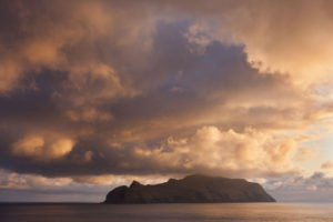Mykines Faeröer (foto Adam Burton)