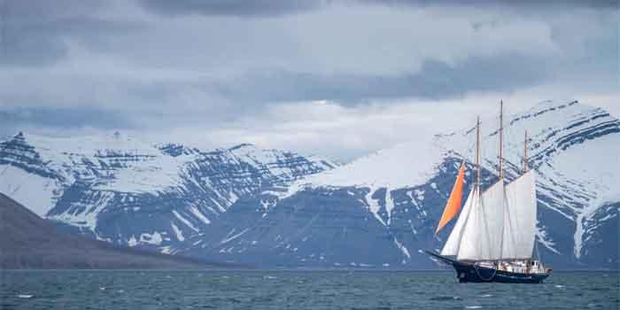 Spitsbergen Svalbard Informatie Bezienswaardigheden Plaatsen en Eilanden